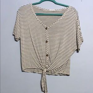 Striped cropped t shirt with buttons